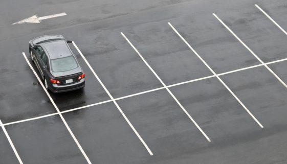 """Parkplatzunfall - Vorfahrtregel """"rechts vor links"""""""
