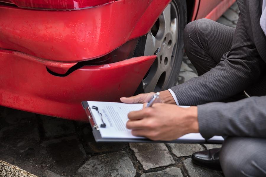 Verkehrsunfall: Ersatz von Verbringungskosten und UPE-Aufschlägen bei fiktiver Schadensabrechnung