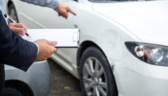 Schadensminderungspflicht bei Unfallfahrzeugveräußerung zum ausgewiesenen Restwert