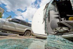 Kreuzungsunfall - überhöhte Geschwindigkeit des Vorfahrtberechtigten