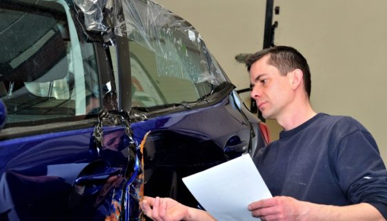 Verkehrsunfall: Sachverständigenhonorar - Erstattungsfähigkeit von Schreibkosten und Fahrtkosten
