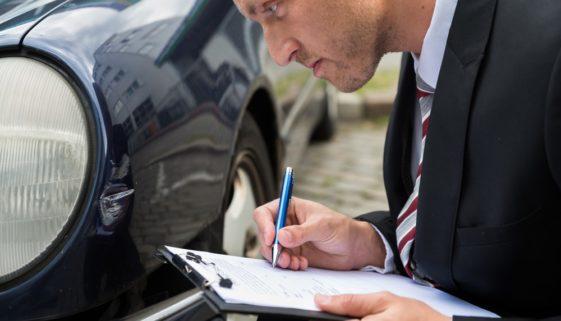 Verkehrsunfall - Anhaltspunkte für evidente Überhöhung von Sachverständigenkosten