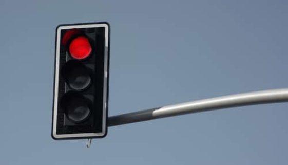 Verkehrsunfall - Alleinige Haftung bei qualifiziertem Rotlichtverstoß